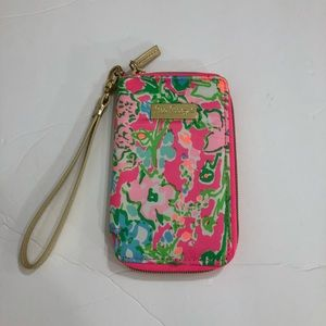 New Lilly Pulitzer PhoneCase Wristlet